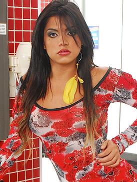 Beatriz Velmont